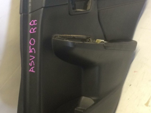 Обшивка двери TOYOTA Camry